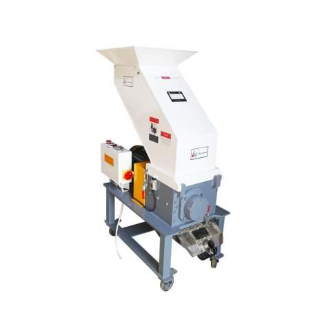 Medium Speed Granulator 460V 3HP Crusher 150R/Min Capacity 110 ~176 lbs/h